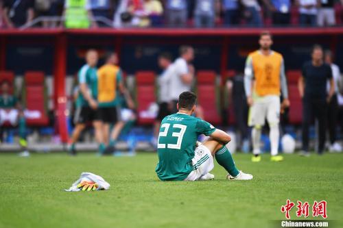 戈麦斯坐在球场上。 <a target='_blank' href='http://www.chinanews.com/'>中新社</a>记者 田博川 摄