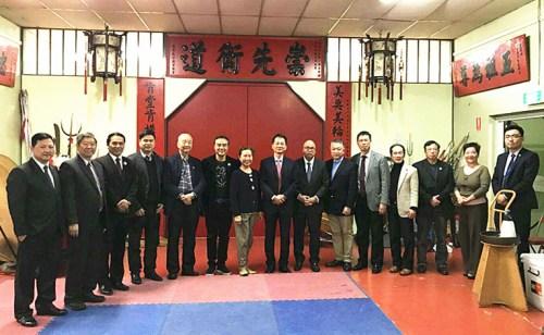 中国驻墨尔本副总领事曾建华造访百年老社团洪门(来源:澳大利亚《星岛日报》)