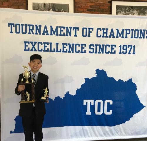 钻石吧14岁的张安润喜获全国中学生辩论赛季军,打算利用暑假更上层楼。(美国《世界日报》/家长提供)