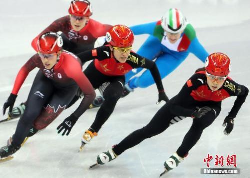 在平昌冬奥会短道速滑女子3000米接力决赛中,中国队以第二名冲过终点,但最终被判罚犯规,无缘奖牌。 <a target='_blank' href='http://www.chinanews.com/'>中新社</a>记者 宋吉河 摄
