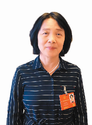 新疆维吾尔自治区侨联党组副书记 吴晓青