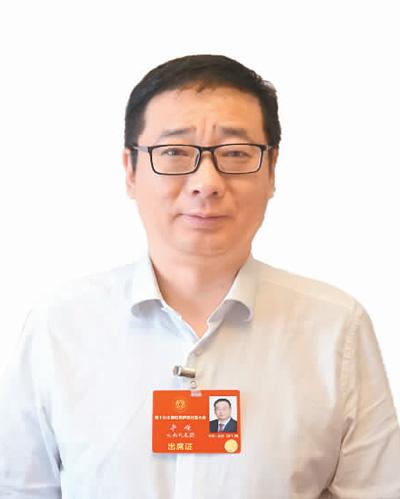 云南省侨联主席 李 嵘