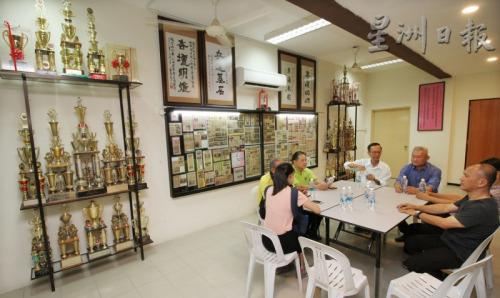 骆锦陶文物馆内收纳了骆老师服务教育界多年来的成就。(马来西亚《星洲日报》)