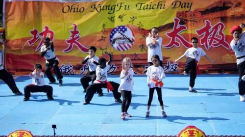 传承武术从娃娃做起(图片来源:中国驻纽约总领馆微信公众号)