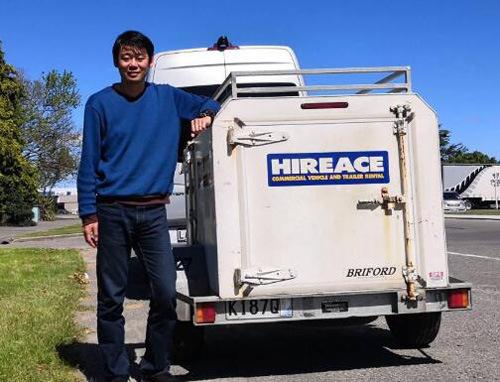 埃里克随后找到了被盗的行李车,但里面超过一半的行李却不见了