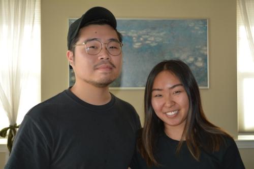 全克勋(左)与女友合影。(图片来源:美国中文网 启铬/摄) 全克勋(左)与女友合影。(图片来源:美国中文网 启铬/摄)