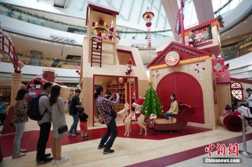 香港商家开启圣诞购物季 <a target='_blank' href='http://www.chinanews.com/'>中新社</a>记者 张炜 摄