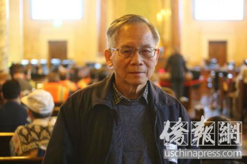 张景雄接受《侨报》记者的独家专访。侨报记者高睿摄