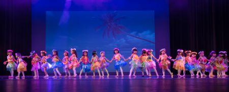 可爱的儿童舞蹈《草裙舞》