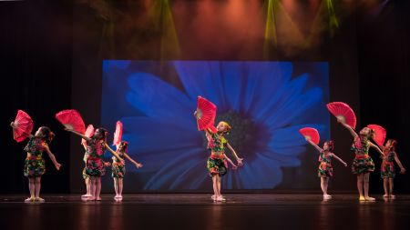 汉族儿童舞《春晓》