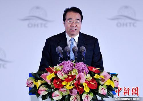资料图:中央统战部副部长、国务院快3玩法办公室主任许又声。 中新社记者 刘忠俊 摄