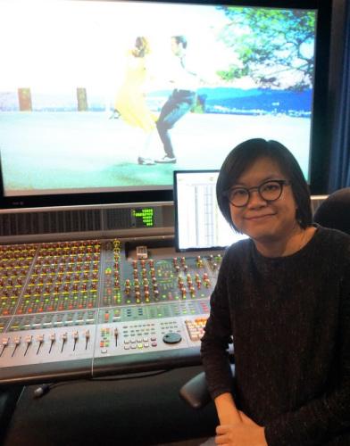 资料图,女性华裔音效剪辑师李爱玲凭仗《登月第一人》入围奥斯卡最佳音效剪辑和混音两项奖(美国《世界日报》)