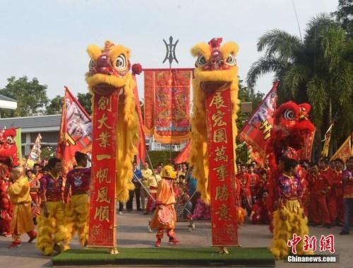海外华侨华人举办各类庆祝活动迎接农历新年