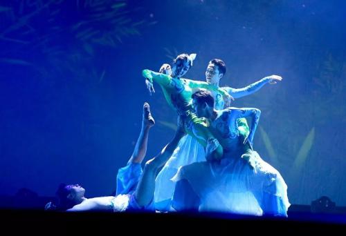 舞蹈《卯兔邀月》。