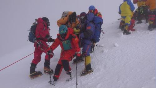 夏伯渝第五次攀登珠峰