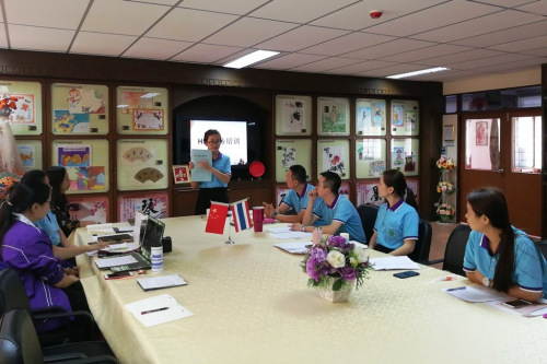 图1.曼松德孔子学院全体老师进行考务培训
