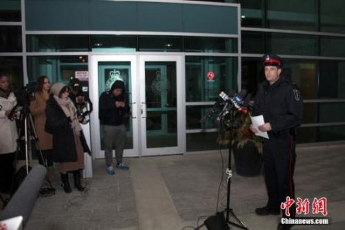 日前,一名22岁陆姓(音译,Wanzhen LU)中国男性留学生在加拿大大多伦多地区万锦市(Markham)遭到绑架三天后终于被找到,生命无虞。因嫌犯尚未完全落网,此案调查尚未终结。 <a target='_blank' href='http://www.chinanews.com/'>中新社</a>记者 余瑞冬 摄