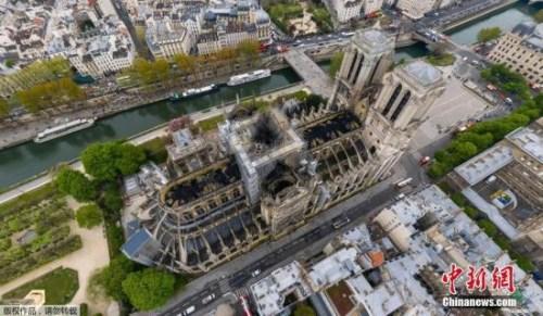巴黎圣母院整修期间法国或建木制临时教堂接待游客