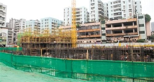 """水南六里""""三旧""""改造项目建设现场。"""