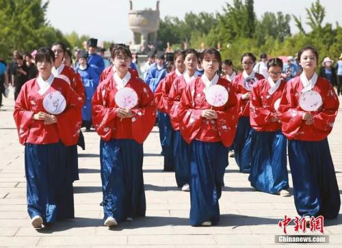 汉服爱好者参加文化节活动。<a target='_blank' href='http://www.chinanews.com/'>中新社</a>发 钟欣摄