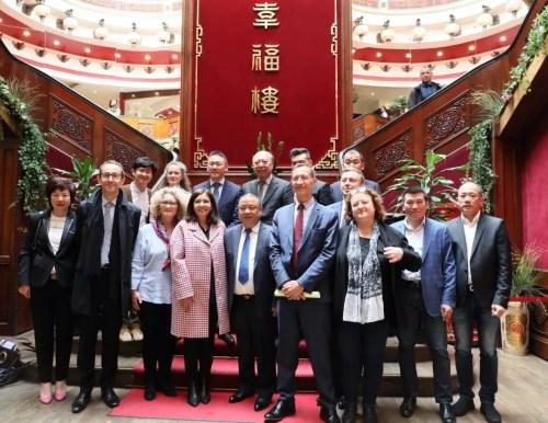 巴黎市长盛赞华裔贡献 回应中国