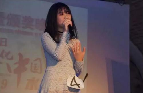 青少年组组第一名陶钰雯,演唱《你还要我怎样》