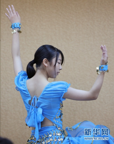 图为获得最佳表演奖的森苍生在表演舞蹈《卷珠帘》。杜潇逸 摄