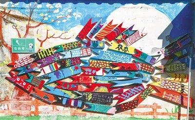 艺术家的创意作品为西岛渔村平添了不少艺术气息。