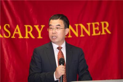 杨晓坤公参出席马恩岛华人协会成立6周年暨国庆70周年庆祝活动。图片来源:中国驻英国大使馆