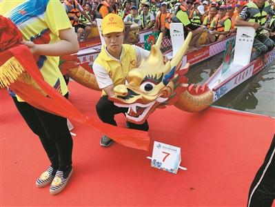 2019年佛山市首届百村(居)龙舟赛□ 举行。