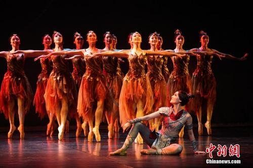 中国原创精品芭蕾舞剧《花木兰》在多伦多上演