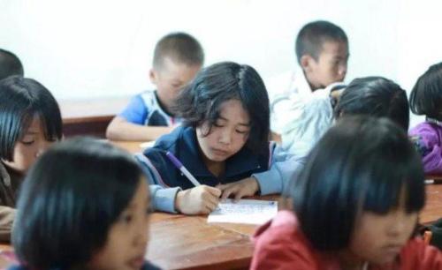 泰北华校的学生在学习。(马来西亚《中国报》/覃福荣 摄)