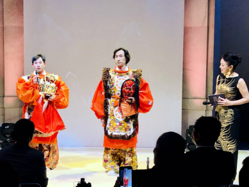 中国舞蹈家黄豆豆与日本艺术家东仪秀树合演《兰陵王》。(日本《中文导报》/杨文凯 摄)