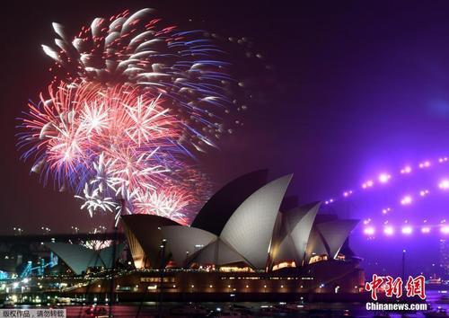澳大利亚悉尼烟花璀璨迎新年