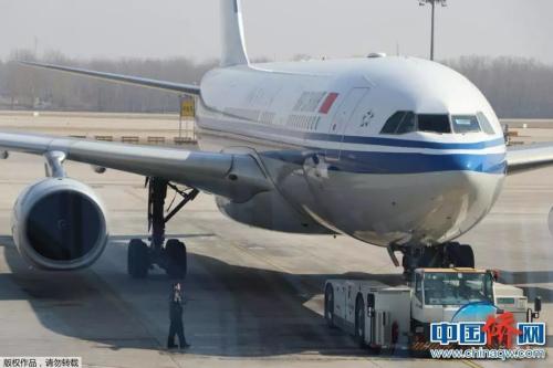 国际航班 韩辉 摄