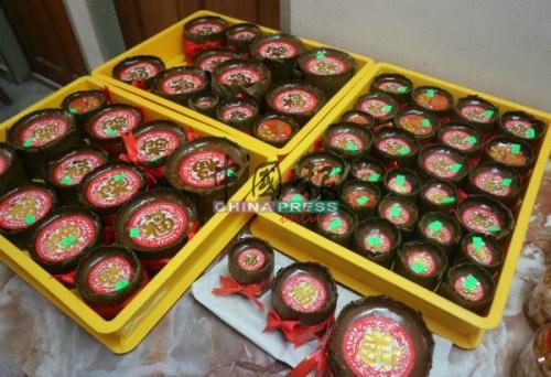 手工制做的年糕,深受顾客的欢迎,数个月前就开始下订单。