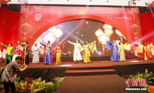 1月30日,印尼全国庆祝2020农历新年大型活动在万丹省唐格朗市举行。图为中华传统文化歌舞表演。 <a target='_blank' href='http://www.chinanews.com/'>中新社</a>记者 林永传 摄