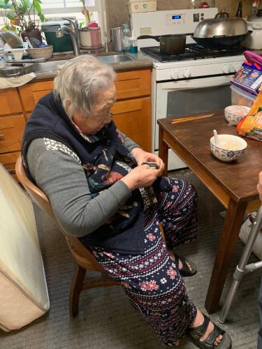 旧金山98岁老华侨为武汉捐款 第二天在家中去世