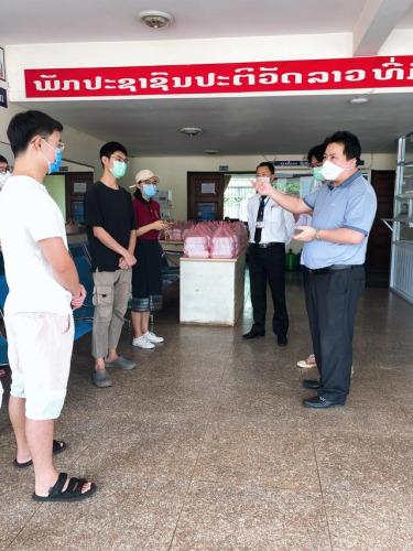 共抗疫情老挝中华总商会为中国留学生送餐活动启动