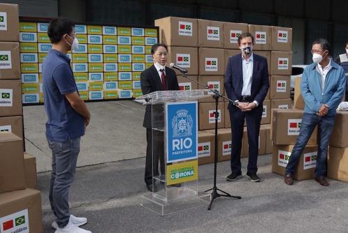 里约侨商向巴西社会捐赠防疫物资。(南美侨报网)