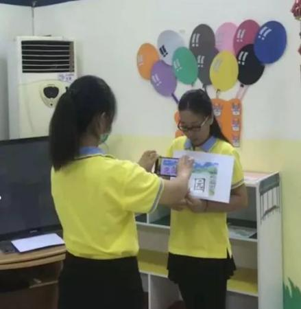 外派教师录制课程。受访者供图