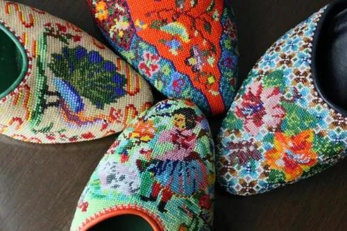 娘惹绣珠鞋。(新加坡《联合早报》)