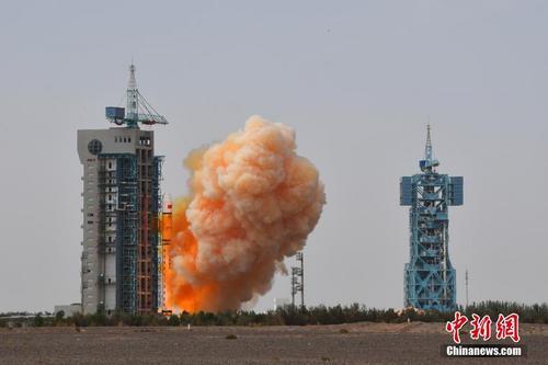 中国成功发射高分九号04星和清华科学卫星
