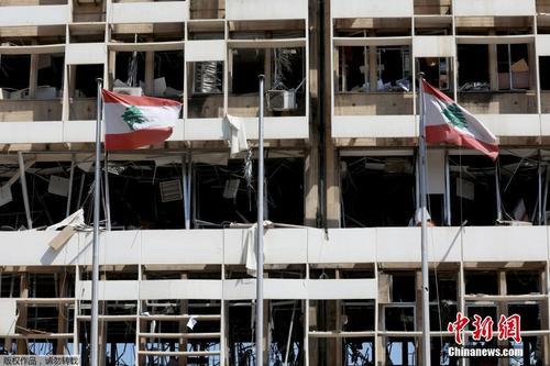 """黎巴嫩首都国有电力公司大楼被炸成""""空架子"""""""