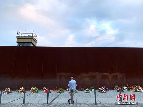 德国纪念柏林墙修建59周年