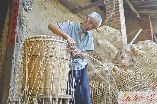 编制 葫芦灯 的手艺濒临失传 笏石珠坑竹编老人的坚守