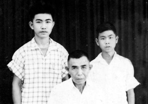 中国侨网合照。
