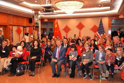 驻芝加哥总领馆举办领养中国儿童美国家庭联欢活动