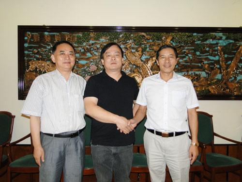匈牙利华侨华人社团联合会增选季建忠为名誉主席