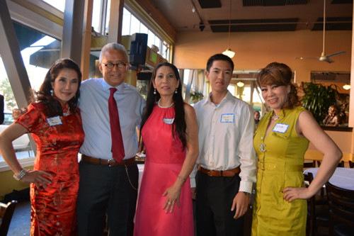 美国世界日报_美奥克兰70岁华裔律师将竞选市议员 为亚裔发声